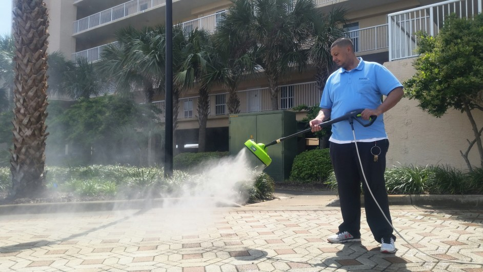 /Easy and High Efficiency Cleaning With Pressure Washers